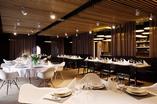 Nowoczesne meble w jadalni nadają wnętrzu oryginalności